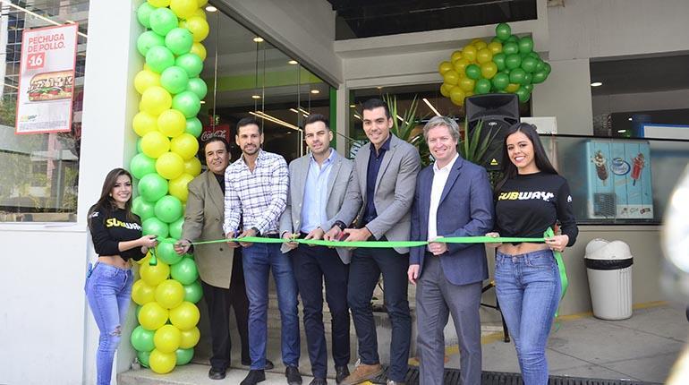 inauguración subway cochabamba - Bolivia: Subway presenta su nuevo concepto en Cochabamba