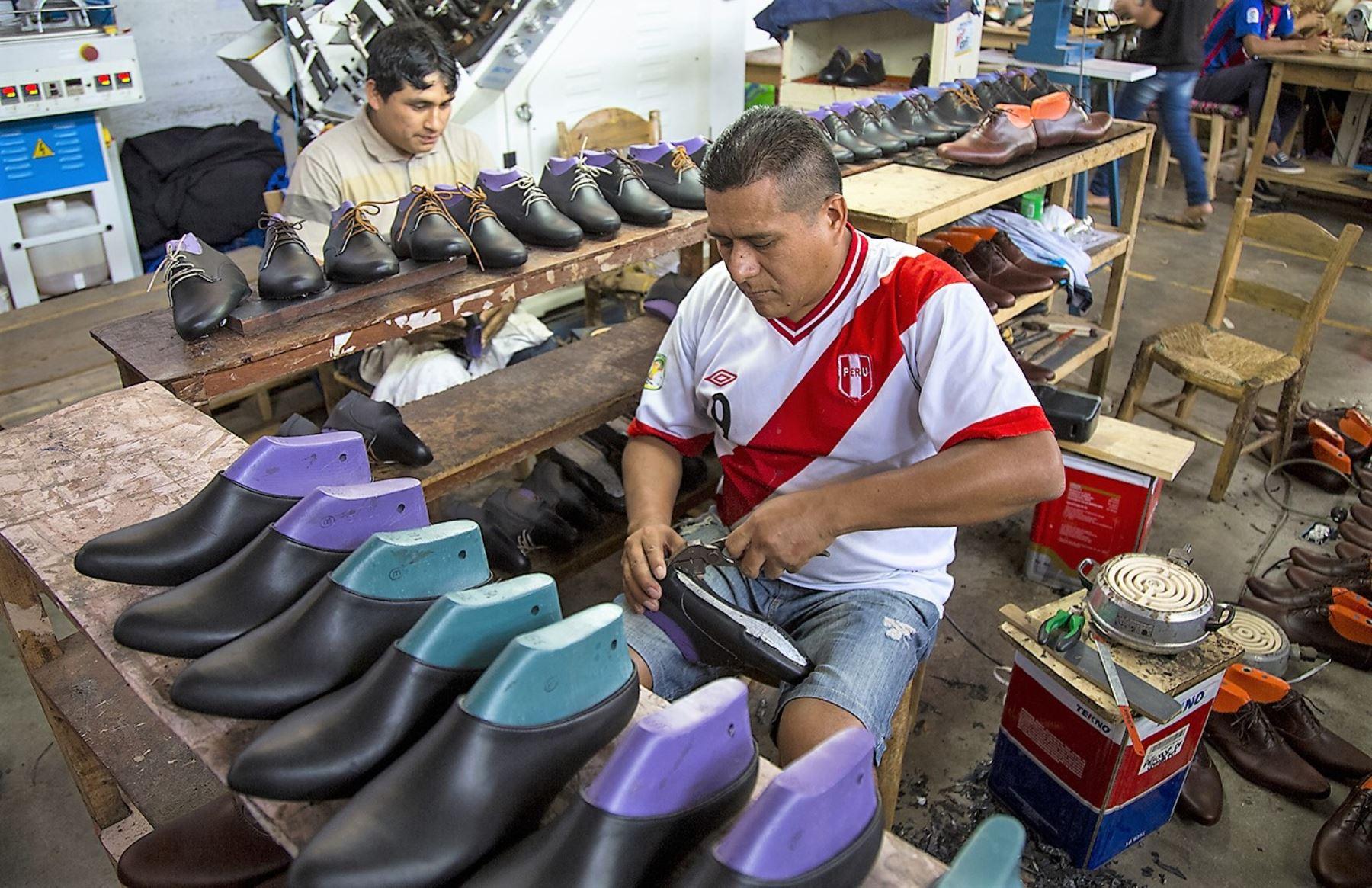 Per es el cuarto mayor productor de calzado de am rica for Cuarto de zapatos