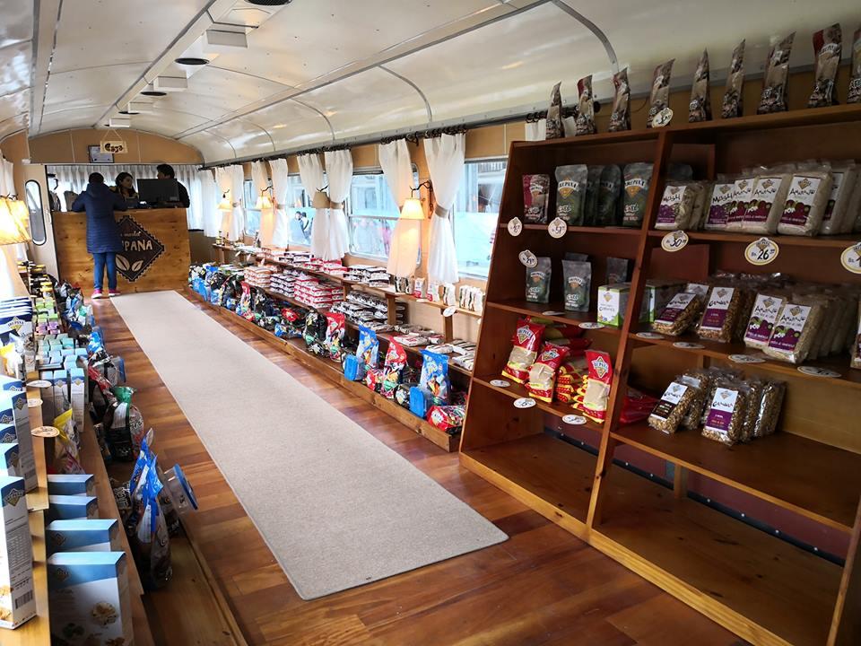 irupana cafetería 3 perú retail - Bolivia: La cafetería que atiende en vagones de tren planea expandirse