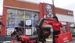 kfc delivery 240x140 - KFC prevé que el delivery gane peso en su negocio en Costa Rica