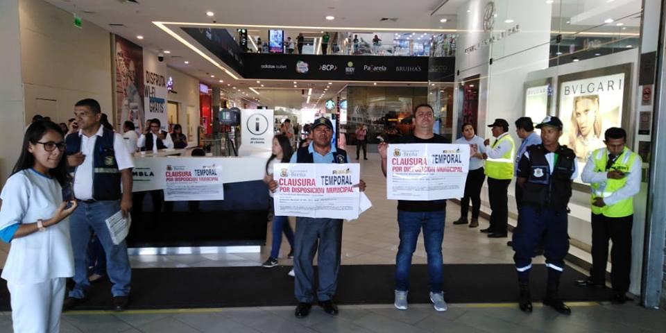 """la rambla 1 - La Rambla de Brasil: Reabren centro comercial tras cierre temporal por """"medidas de seguridad"""""""