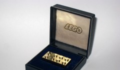 Lego de oro-retail