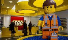 lego empresa 240x140 - Lego enfrenta caída del 8% de sus ventas desde el 2004