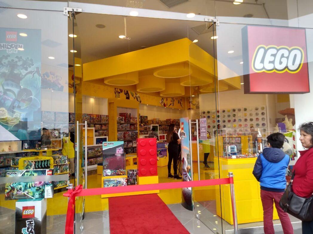 lego plaza san miguel 1 perú retail - LEGO contará con canal ecommerce y abrirá nueva tienda para 2020
