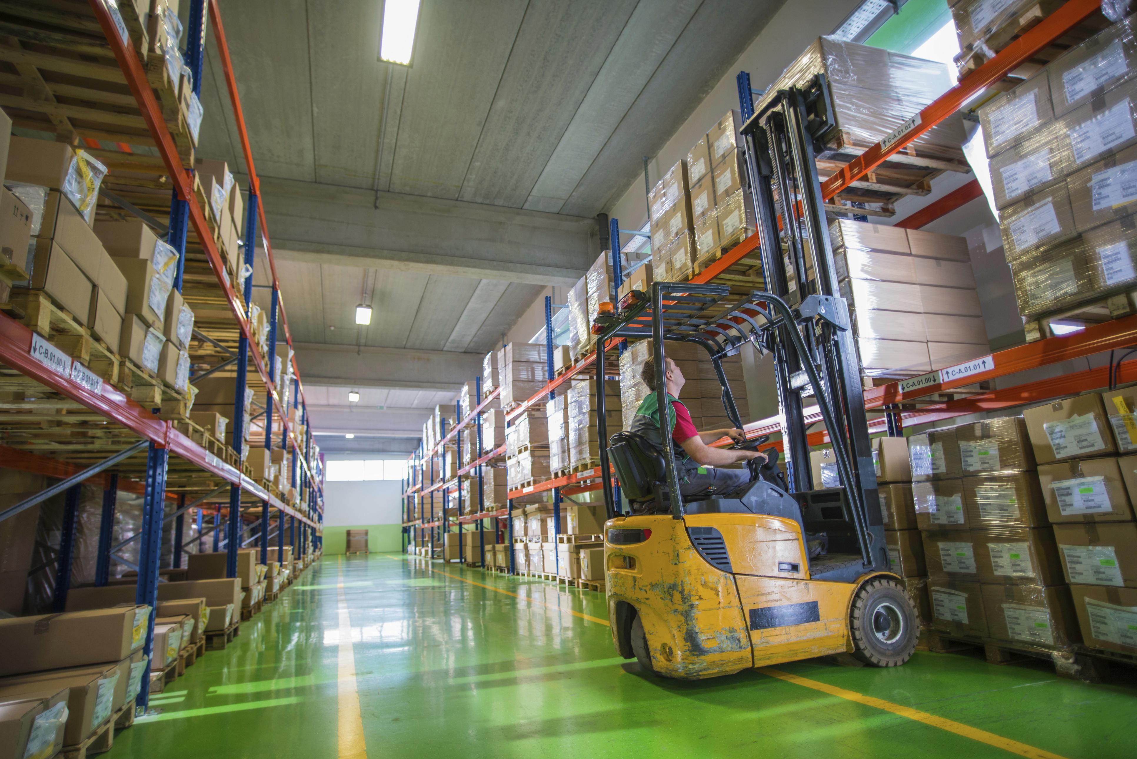 logistica almacen - El centro de distribución: la clave para optimizar el servicio a los clientes