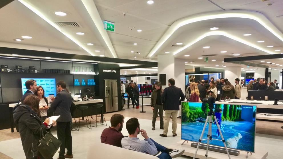 lugar2 - Samsung Store abre tienda interactiva en España