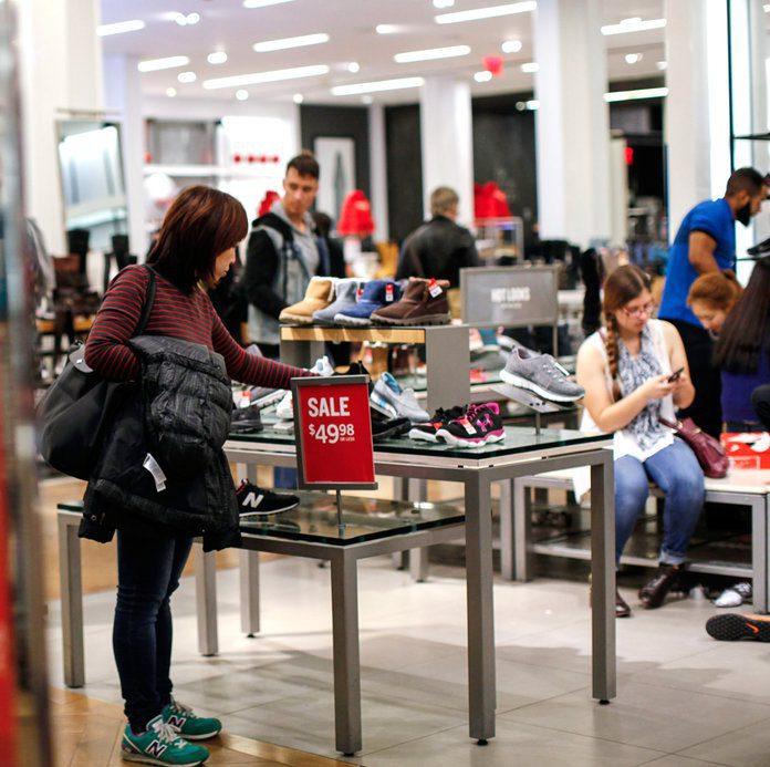 macys zapatos 3 - El retail en dos caras: Macy's cerrará 125 tiendas y Sephora marca su expansión