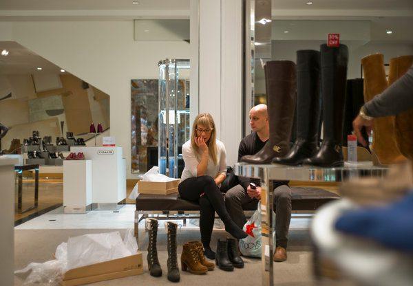 macys zapatos - El retail en dos caras: Macy's cerrará 125 tiendas y Sephora marca su expansión