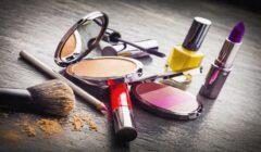 maquillaje 240x140 - Cosméticos e higiene: ¿cómo le fue a la industria en 2019?