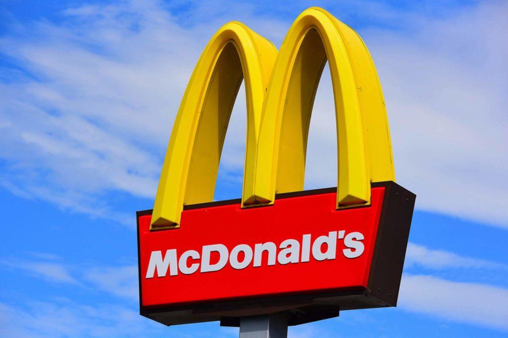 mc donalds 2 - McDonald's removió 200 toneladas de plástico al eliminar los sorbetes en sus restaurantes