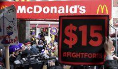mc donalds trabajadores 240x140 - EE.UU: McDonald's rompe promesa de aumentar el salario a sus empleados