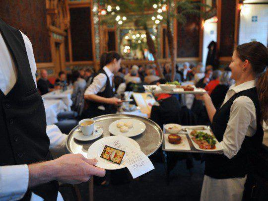 meseros Restaurants Unlimited - ¿Cuáles son los lugares más visitados por los limeños en San Valentín?