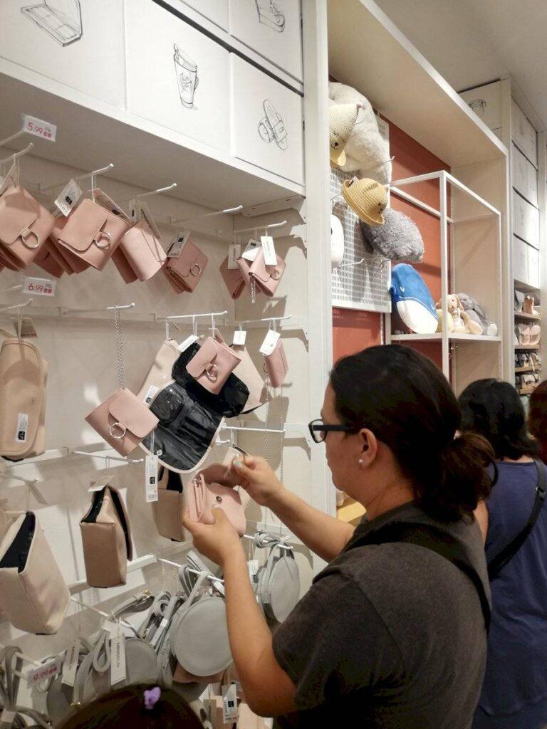 miniso quicentro shopping ecuador 768x1024 - Miniso: La cadena asiática de bajo costo desembarca en Ecuador