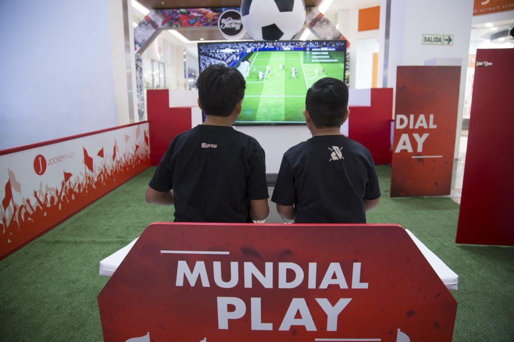 mundial jockey plaza 1 1024x683 - Jockey Plaza lanza campaña #EsFútbolEsFelicidad