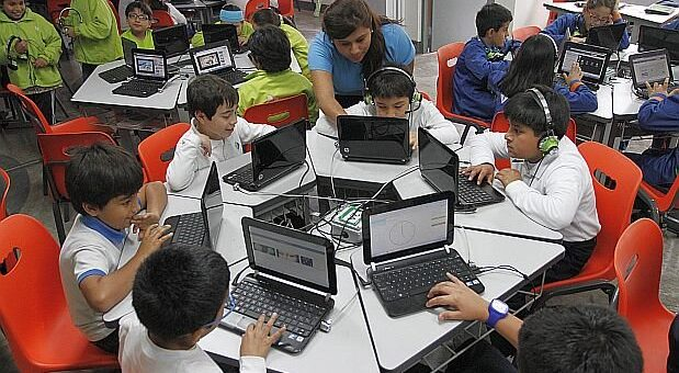 niños laptops