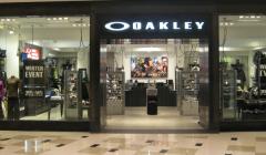 oakley 728 240x140 - Oakley y Volcom abren nuevas tiendas en Perú