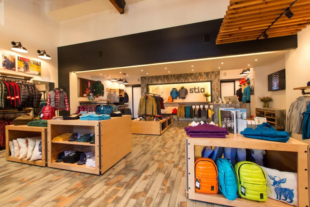 """outdoor store 2 1024x683 - """"El outdoor tiene el gran reto de atraer a más practicantes jóvenes"""""""