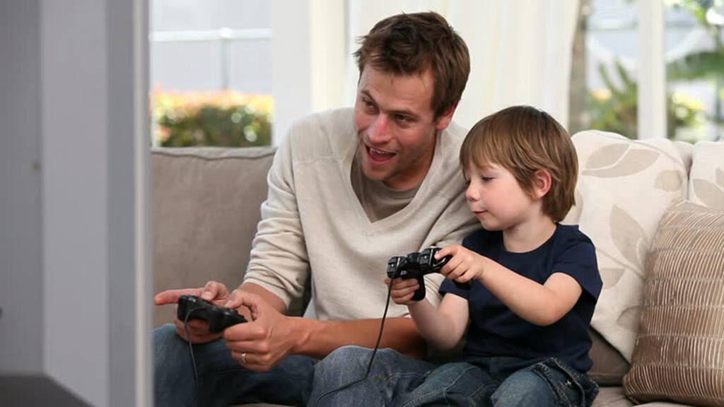 papa gamer Perú Retail 1024x576 - ¿Sabes qué papá tienes? Estos son los regalos perfectos en base a su personalidad