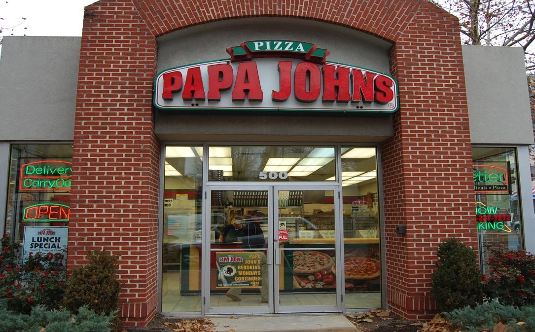 Ventas de Papa John's caen luego de escándalo racista de su fundador