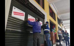 pardos lima clausurada 300x186 - Estas son las pollerías clausuradas por insalubridad en el Centro Histórico de Lima
