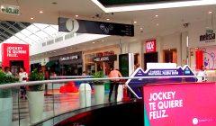 pasillo central 1 Peru Retail 240x140 - Jockey Plaza suma nuevos locatarios mientras que otros se renuevan