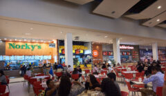 patio de comidas food court mall del sur