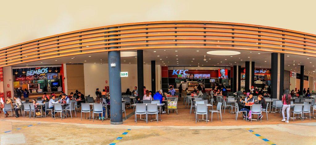 patio de comidas minka 1 1024x470 - New Athletic inaugura tienda en Minka