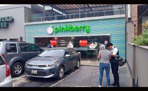 pinkberry El Polo 300x186 - Perú: Clausuran heladería Pinkberry del centro comercial El Polo por utilizar alimentos vencidos
