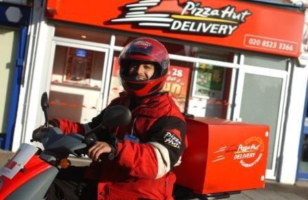pizza hut delivery 1 - Domino's Pizza y Telepizza generan el 90% de sus ventas vía delivery