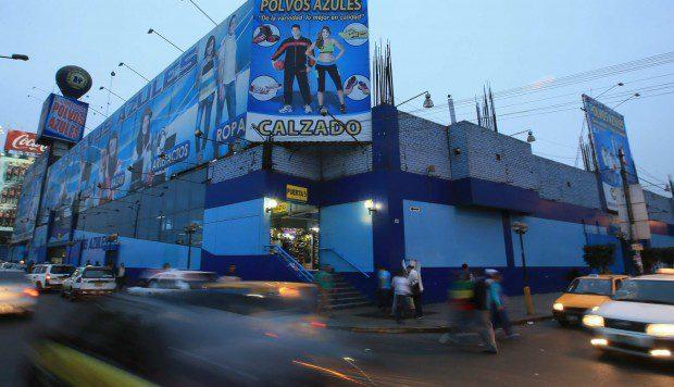 polvos azules lima - Las galerías comerciales hacen frente a los malls en Perú
