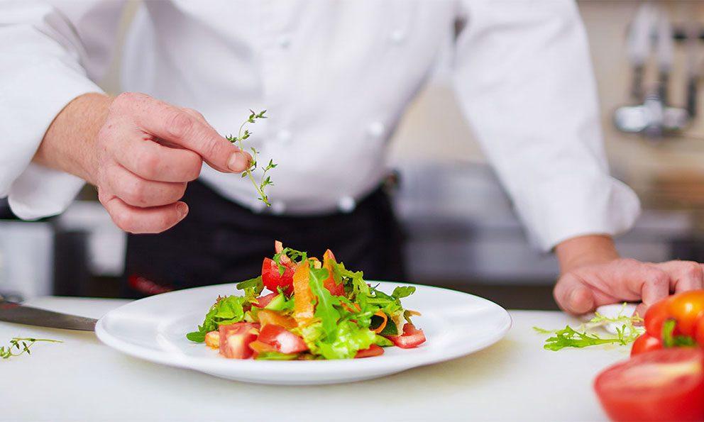 preparacion alimentos - ¿Por qué quiebran los restaurantes en Ecuador?