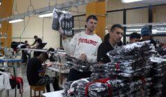 presos peruanos Pieta 1 240x140 - Pietà: la marca de ropa confeccionada por presos peruanos para celebridades