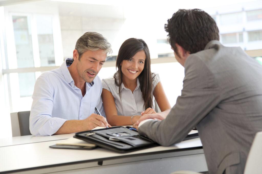 prestamos bancos 1024x683 - Conoce PrestaPe, la aplicación móvil de préstamos que competirá con los bancos