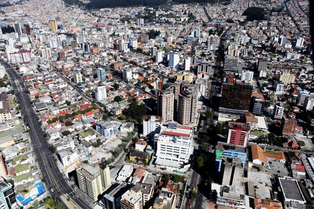 quito comercial 1 perú retail 1024x683 - Ecuador: El comercio es el 'as' de los ingresos en Quito