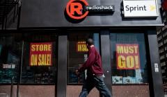 radioshack close eeuu 240x140 - RadioShack cerró 1000 tiendas en un fin de semana en Estados Unidos