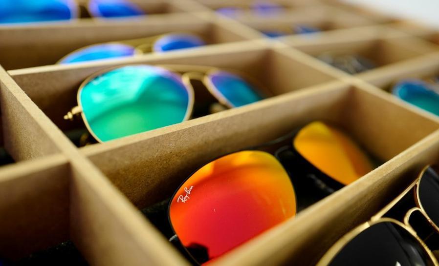 rayban - Nueva era en el mundo de gafas: Dueño de Ray-Ban compra GrandVision