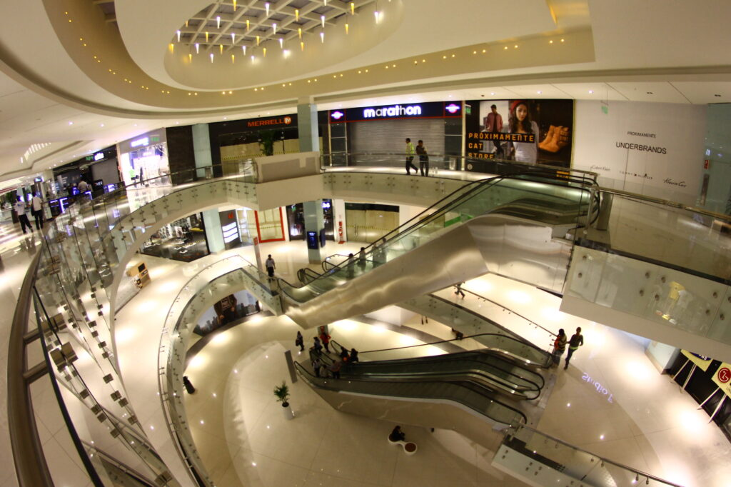 real-plaza-salaverry-mall-peru-retail (15)