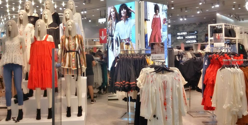ropa hm - H&M reforzará presencia en Chile con 3 nuevas aperturas