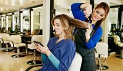 """salon mama 111 240x140 - """"Las madres no renuncian a cuidarse y acuden a centros especializados de belleza"""""""