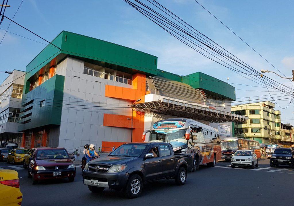 santo domingo ecuador 1024x717 - Ecuador: Centros comerciales recibieron hasta un 8% más de visitantes en 2018