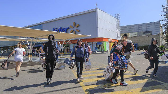 saqueos walmart chile - El retail en Chile: el panorama incierto de un comercio en auge
