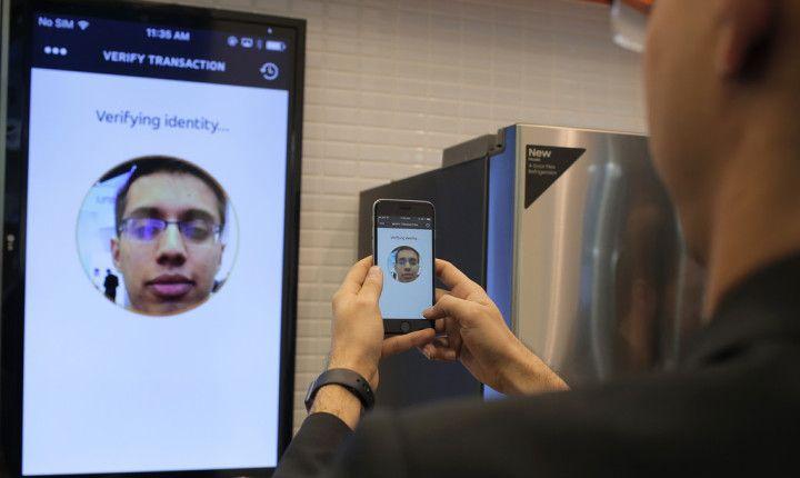selfie pay mastercard - Amazon busca implementar el selfie a la hora de pagar
