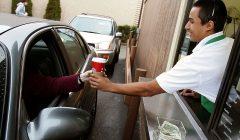 servicio al auto 240x140 - Starbucks ofrece servicio de compras al automóvil en EE.UU.