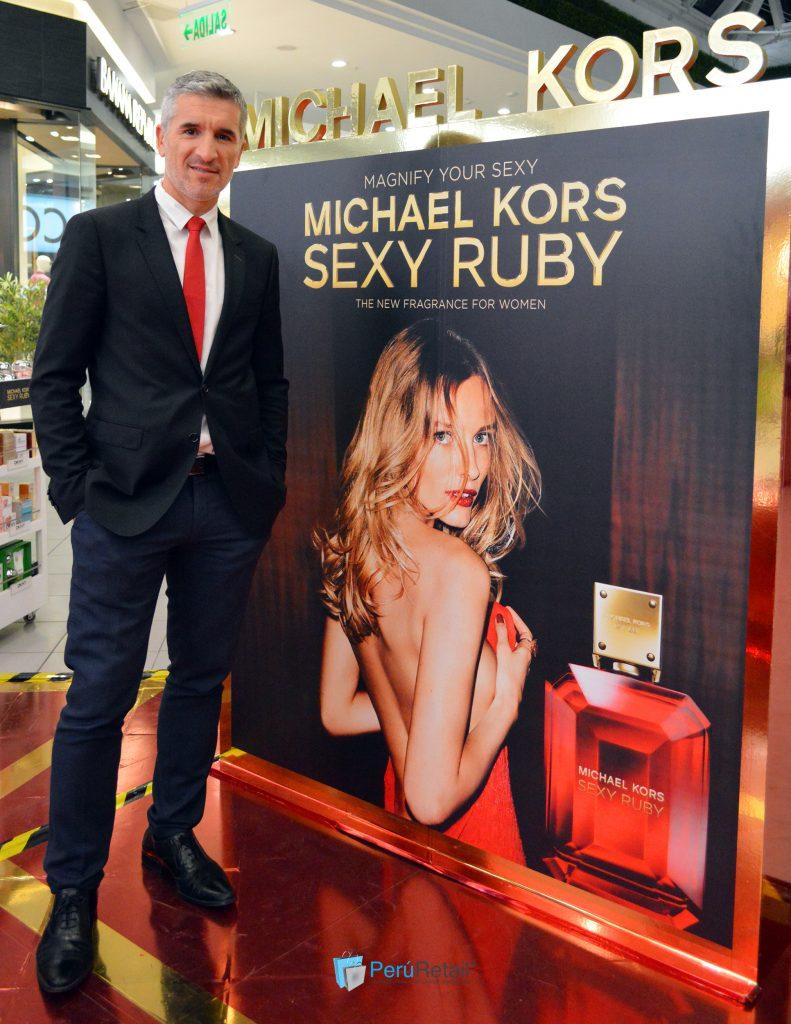 sexy ruby 2 791x1024 - Michael Kors presenta su nueva fragancia femenina 'Sexy Ruby'