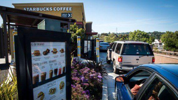 star - Starbucks ofrece servicio de compras al automóvil en EE.UU.