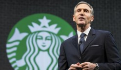 starbucks ceo 248x144 - Starbucks contratará a 10 mil refugiados desafiando a Donald Trump