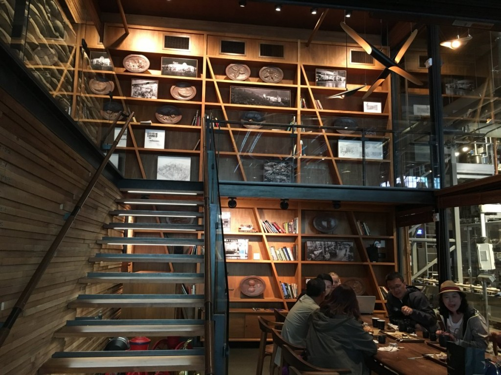 starbucks roastery seattle 11