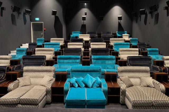 suiza cine - ¿Sabías que en Suiza existe un cine que en vez de asientos ofrece camas?