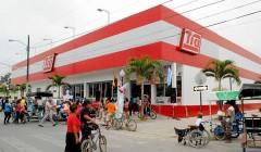super tia ecuador2 240x140 - Almacenes Tía cierra todas sus tiendas en Colombia