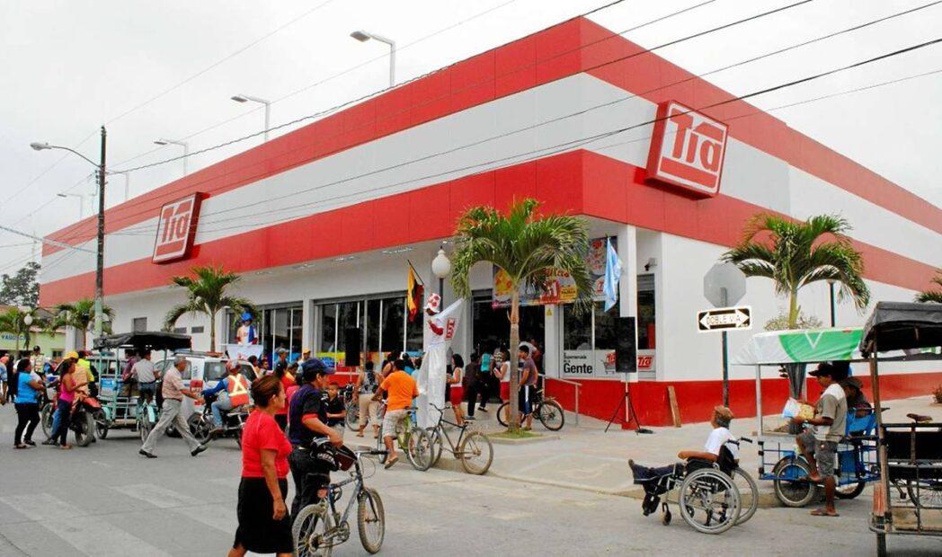 super tia ecuador2 - Almacenes Tía cierra todas sus tiendas en Colombia